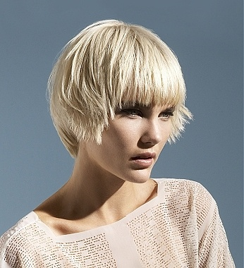 Fashionable bob hairstyle for short hair