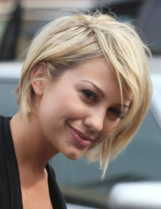 Cute messy bob for blonde hair