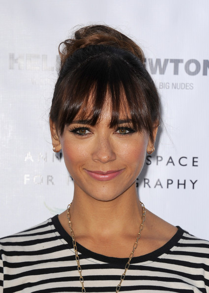 Rashida Jones Twisted Bun