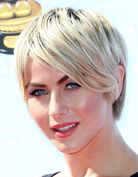 Julianne Hough Short Emo Haircut