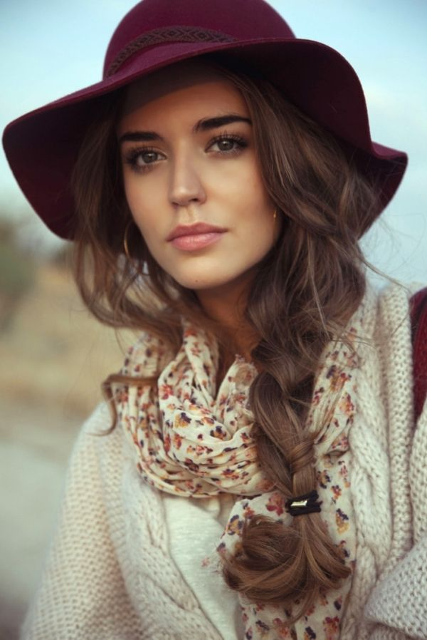 Cool boho makeup and hairstyle