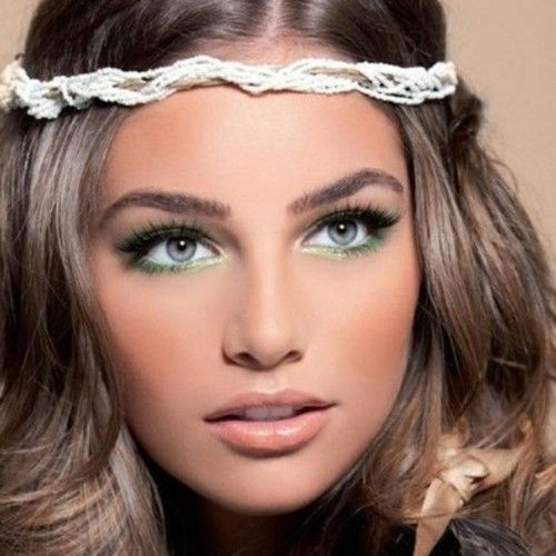 Pretty boho makeup idea with colored eyeliner