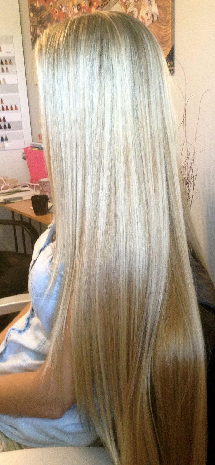 Layered straight hairstyle for blonde hair