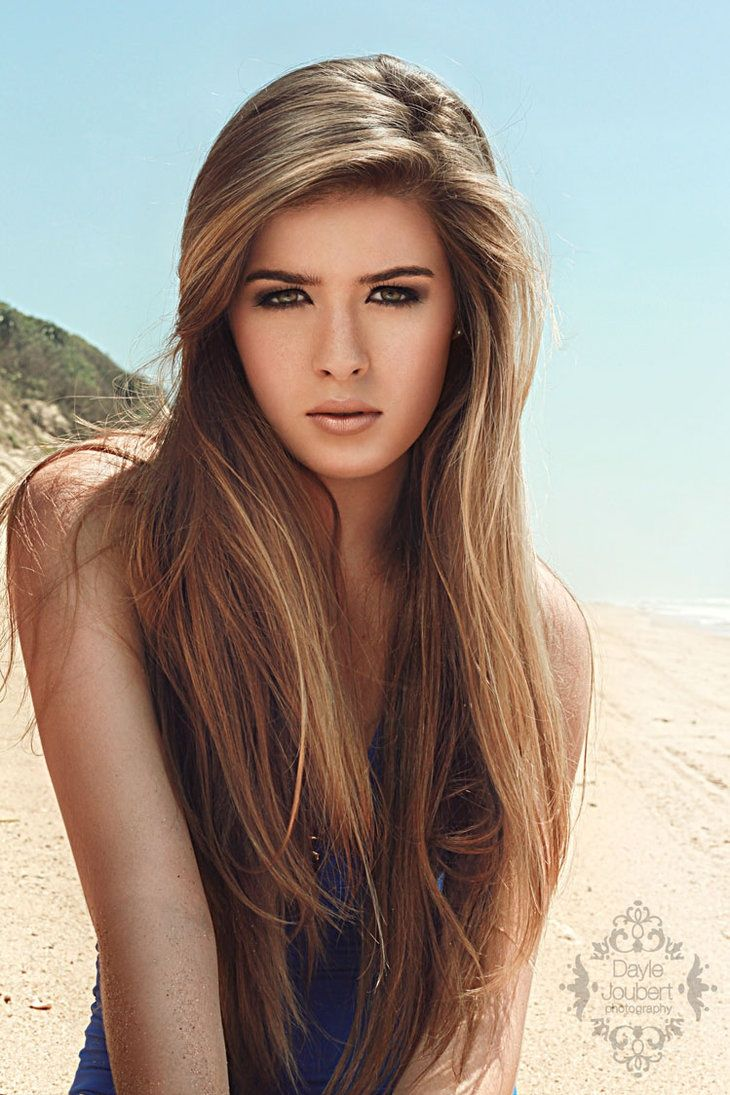 Long straight hairstyle for brown hair