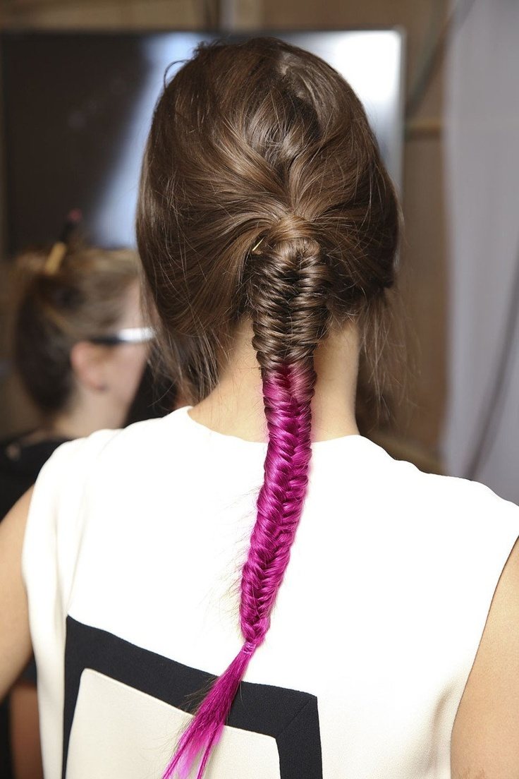 Fishtail braid for two-tone hair