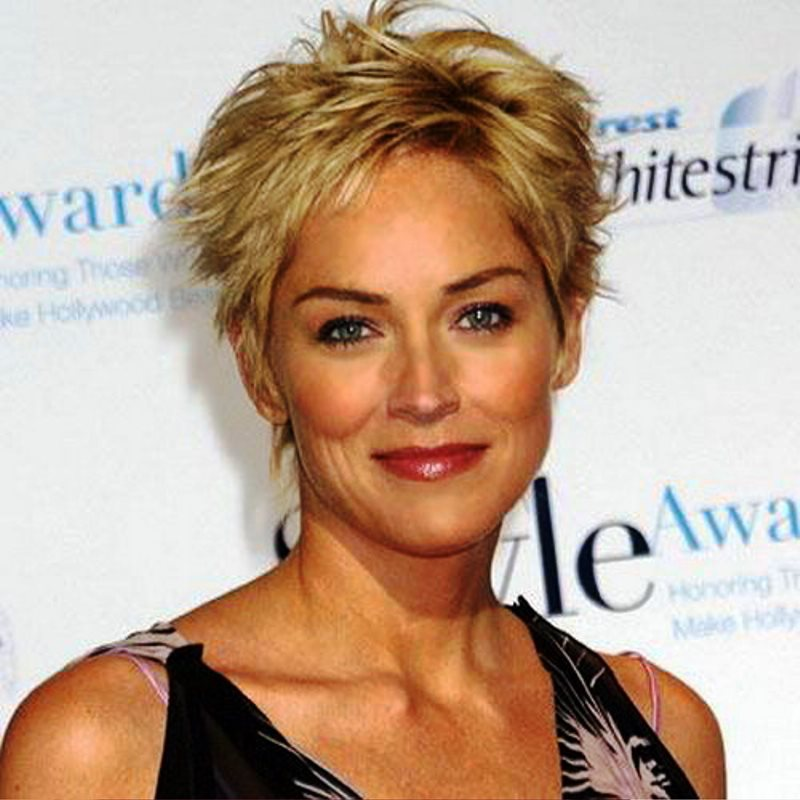 Cool short hairstyle for summer