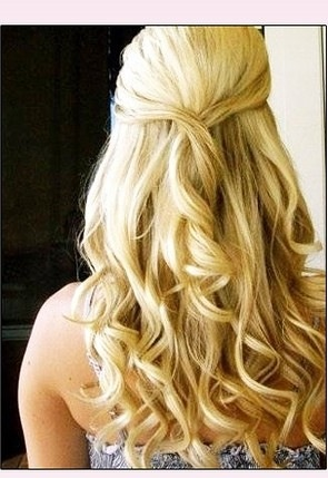 Stylish curly prom hairstyle