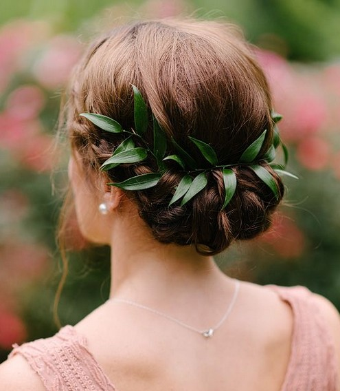 Wedding hair with leaves