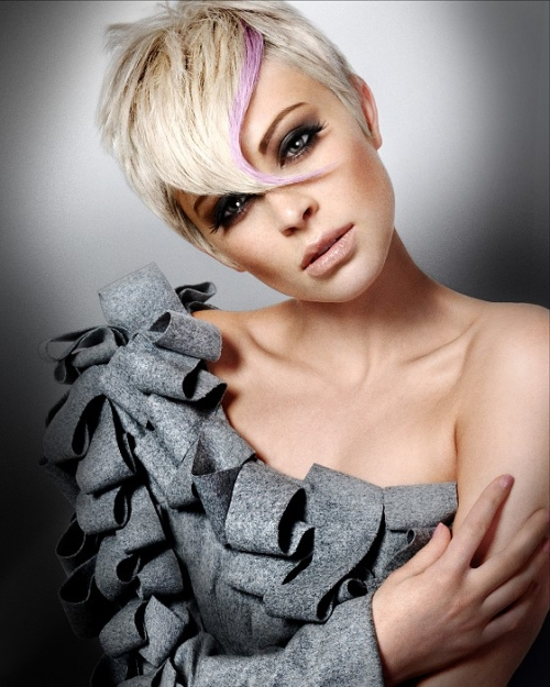 Highlighted blonde pixie hairstyle