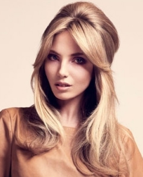 Retro hair with side part