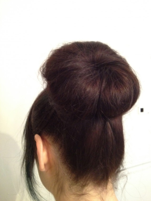 Hair Bun Tutorials - 5 Minute Bun
