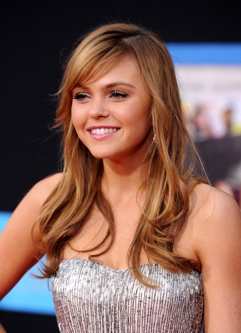 "Layered hairstyle with side-swept bangs ""width ="" 480"
