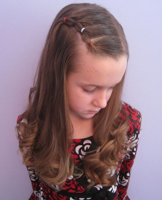 Wavy hairstyle for little girls over