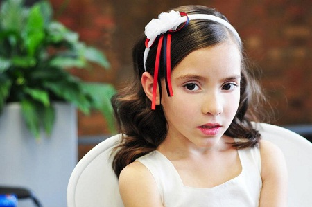 Headband hairstyle for your daughter over