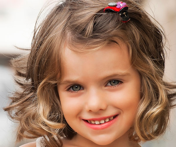 Curly hairstyle for your daughter