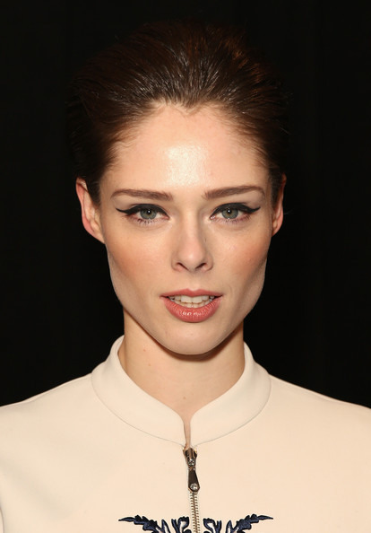 Chic hairstyles for elegant women: Coco Rocha Short Straight Cut