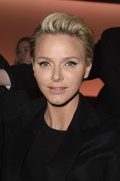 Chic hairstyles for elegant women: Charlene Wittstock Short Straight Cut