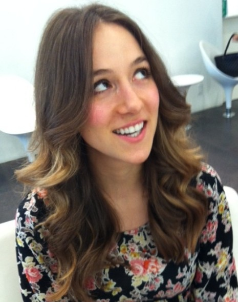 Blowout style for highlighted hair