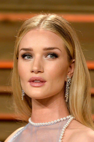 Best hairstyles for super mothers: Rosie Huntington Whiteley Long Center Part