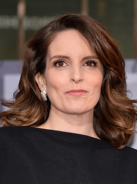 Best hairstyles for super mothers: Tina Fey Medium Wavy Cut
