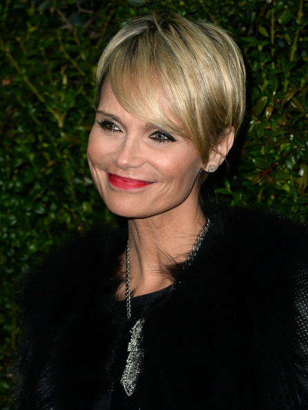 Best hairstyles for super mothers: Kristin Chenoweth short for bangs