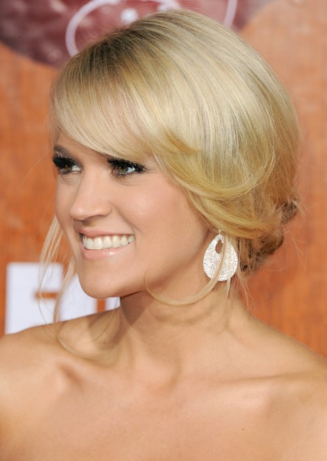 Carrie Underwood Loose Bun