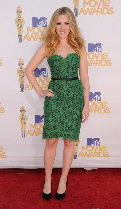 Scarlett Johansson at the 2010 MTV Movie Awards