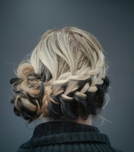 Two-tone diagonal braided hair
