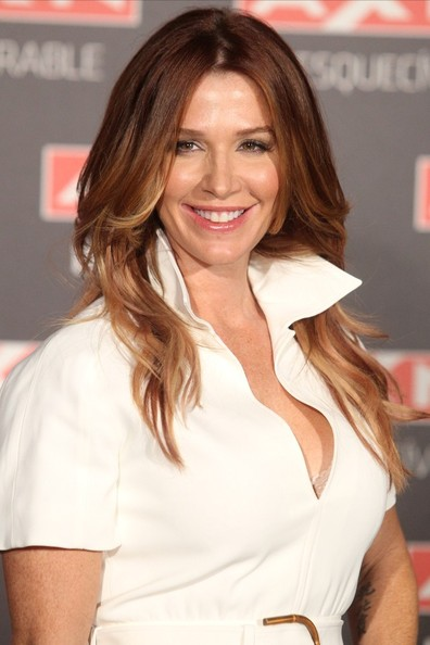 Poppy Montgomery Long middle section