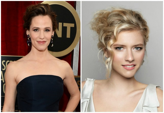 Celebrity-inspired hairstyle: Jennifer Garner-Messy Updo
