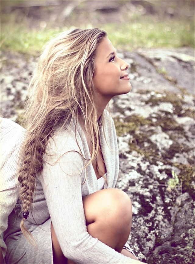 Loose braided hairstyles: beautiful braids