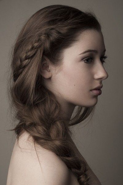 Loose braided hairstyles: pretty braids