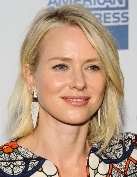 Naomi Watts Hairstyles: Middle Layer Haircut