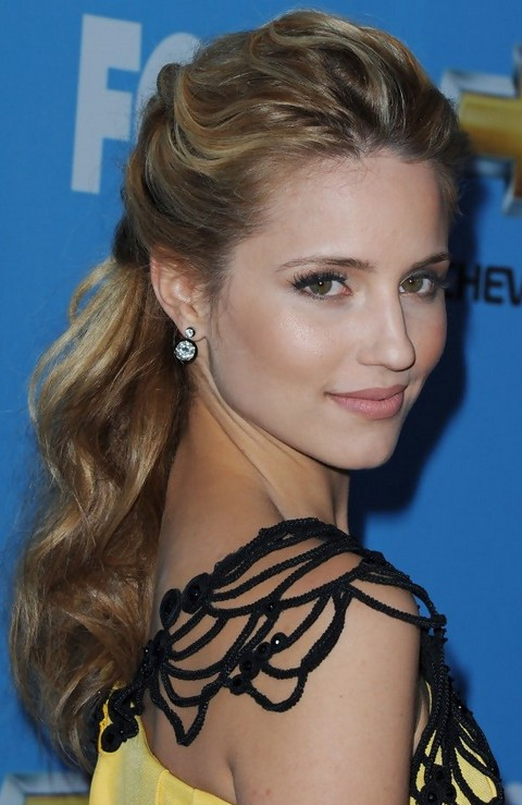 Dianna Agron Hairstyles: Wavy Half Up Half Down