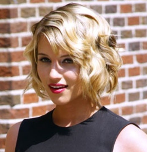 Dianna Agron Hairstyles: Short Waves