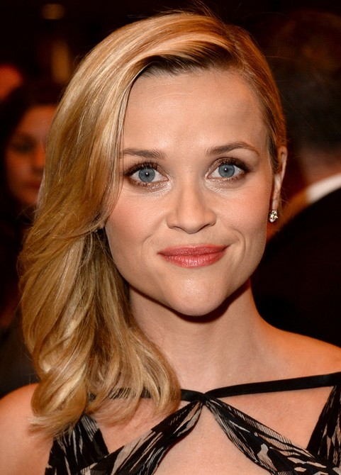 Reese Witherspoon Medium Length Hairstyle: Slight Waves