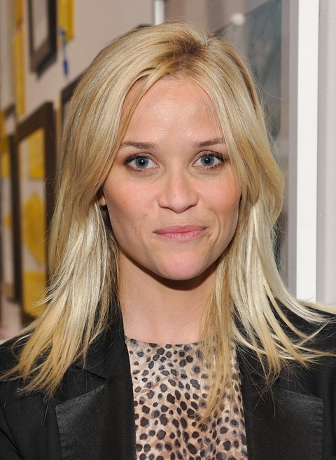 Reese Witherspoon Medium Length Hairstyle: Layered Haircut