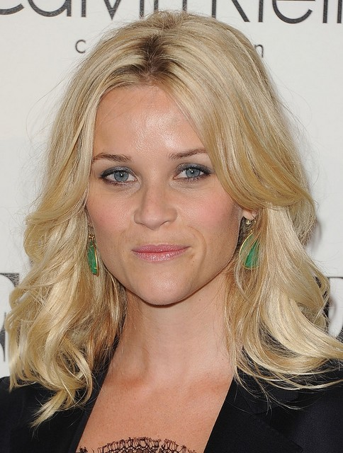 Reese Witherspoon Medium Length Hairstyle: Blonde Waves