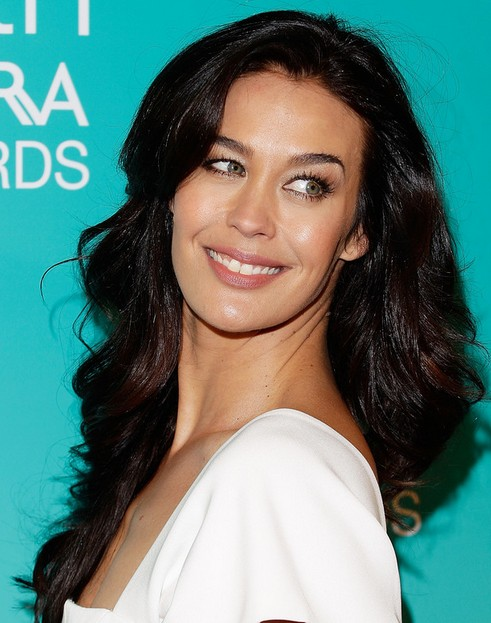 Megan Gale Long Hairstyle: Midsection
