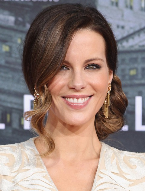 Kate Beckinsale Hairstyles: Gorgeous Curly Updo