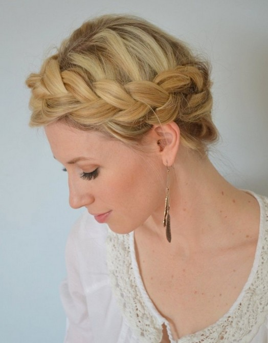 20 tutorials on braided hairstyles: Boho Crown Braid for Prom