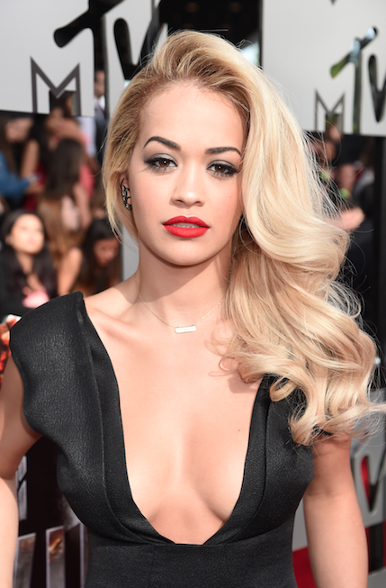 Rita Ora Long Wavy Blonde Hairstyle