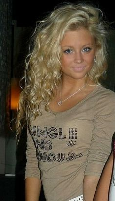 Amazing long blonde curly hairstyle