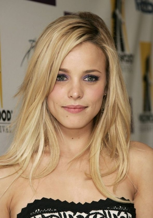 Shoulder-length layered haircut for blonde hair