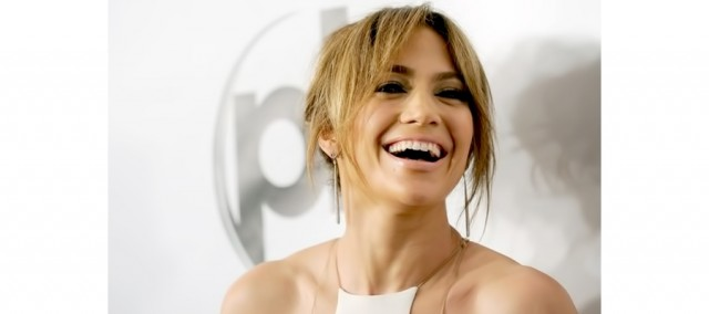Jennifer Lopez Bang hairstyle