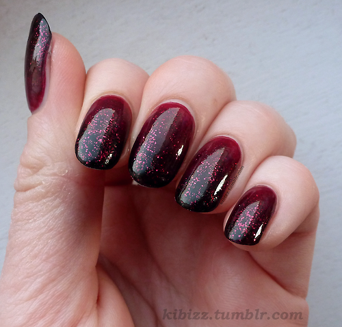 """Ombre Burgundy Nail Design """"width ="""" 450"""