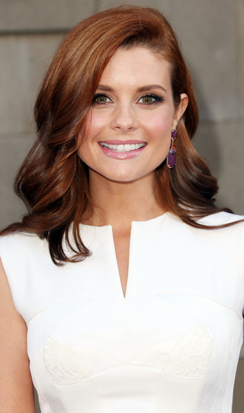 Joanna Garcia-Swisher Long wave cut