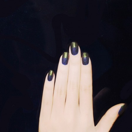 Modern yet simple blue & green color block nail design