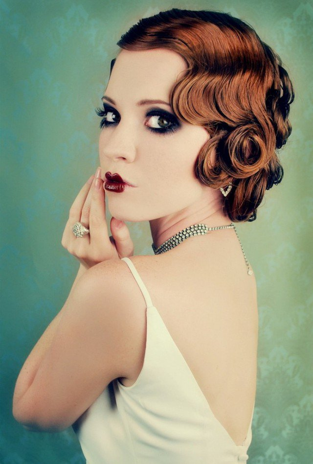 Stylish vintage curly hairstyle