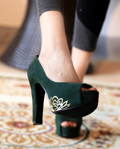 Trendy fish head style high heels